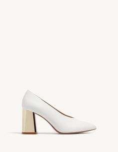 Yüksek topuklu metalize ayakkabı