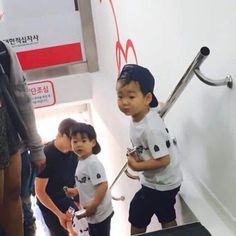 Fantaken Song Triplets with Appa for a Blood Donation Campaign Cute Kids, Cute Babies, Song Il Gook, I Miss You Guys, Man Se, Song Daehan, Song Triplets, Korean Shows, Energy Boosters