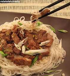 Somen noodles pork Oriental Noodles, Oriental Food, Food Tips, Food Hacks, Food Food, Japanese Food Sushi, Pasta Noodles, Fabulous Foods, Asian Recipes