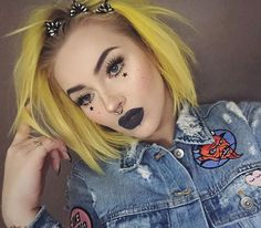 We're starry eyed over this look! Space babe @itslikelymakeup is out of this world beautiful in 'Noctura' lashes, a dark lip, and the most badass bumblebee yellow hair! When we grow up, we want to be Jordi! #blackmagiclashes We will also take that denim jacket with all the cute patches please!
