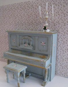piano and stool duck egg blue dollhouse by Insomesmallwayminis
