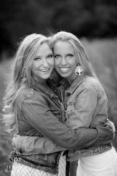 twin senior Jessica Mastronie Photography | Pittsburgh Senior Photographer | www.JessicaMastroniePhotography.com