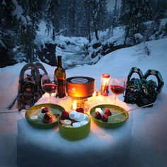 A romantic snowshoe and fondue dinner for two! My perfect Valentine's Day date. this is something my honey I need to do some day! Snow Camping, Winter Camping, Winter Fun, Winter Hiking, Winter Sports, Camping Hacks, Camping Gear, Backpacking Food, Camping Hammock