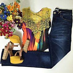Um look com pouco de cores até levanta o astral não acham? ;) Body com bojo  calça cintura alta.  Compre pelo site http://ift.tt/PYA077 ou nos chame no whats 47 9953-1716.