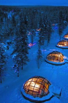 For another cool experience the Hotel Kakslauttanen located in Lapland is worth a visit. There are forty-first class log cabins available but what makes it special is the unique glass igloos that guests can stay in during winter. Hotel Aurora Boreal, Beautiful Hotels, Beautiful Places In The World, Wonderful Places, Glass Igloo Hotel, Hotel Europa, Igloo Village, The Places Youll Go, Places To Visit