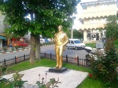 Üsküp, Makedonya'da Atatürk heykeli