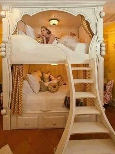 Loving this royal bunk. Would be so cute for little girls to transition as they get older