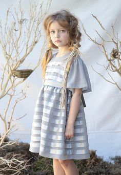 Mother & Kids Popular Brand 2017 New Girls Dress Autumn Girls Clothes Lattice Style Plaid Design Baby Red Girls Dress Exquisite Traditional Embroidery Art