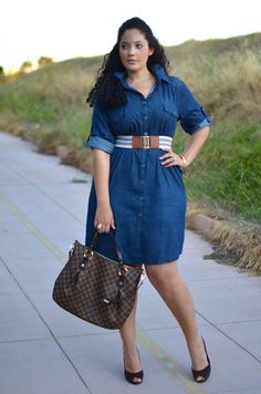 Loving the denim shirt dress on girl with curves x Curvy Outfits, Plus Size Outfits, Fashion Outfits, Look Plus Size, Plus Size Model, Plus Size Fashion For Women, Plus Fashion, Fashion Women, High Fashion