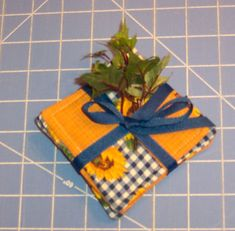 how to make quilted four square coasters, how to sew quilted coasters