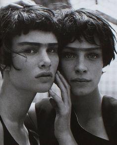 twins, 1997 (by peter lindbergh for vogue italia - journalofanobody)