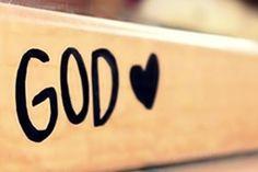 Querido Deus, Agradeço a Ti Me chamaste pelo nome Para eu te servir Mesmo sendo imperfeito Me confiou num amor tão grande assim