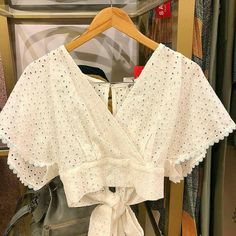 Crop Top Outfits, Skirt Outfits, Cool Outfits, Casual Outfits, Sari Blouse Designs, Blouse Patterns, Blouse Styles, Nouveau Look, Western Outfits