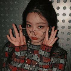 un dorito 🍒 Blackpink Jennie, Yg Entertainment, Kpop Girl Groups, Kpop Girls, Blackpink Icons, Jenny Kim, Blackpink Photos, Pictures, Best Kpop