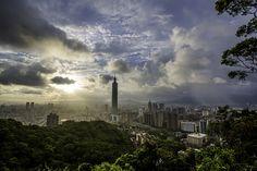 Typhoon Taipei 台北颱風天 by olvwu   莫方, via Flickr