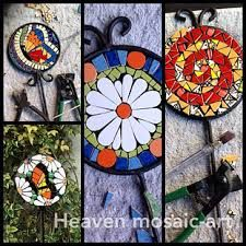 mesas con mosaiquismo - Buscar con Google Mosaic Crafts, Mosaic Art, Fused Glass, Stained Glass, Diy And Crafts, Arts And Crafts, Ladybug, Art Projects, Cactus