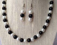 Púrpura collar de perlas joyería de Dama de por CherishedJewelryCo