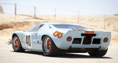 GT 40 in Shell Livery