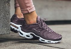 While the Air Max Plus hasn't been treated with a large-scale marketing comeback story like the Air Max 97, it still continues to be one of the more popular silhouettes among those who have been early adopters of Air Max … Continue reading →