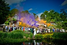SMOKE BOMBS! Lighting coloured smoke flares for a huge group photo at a wedding! WOW!