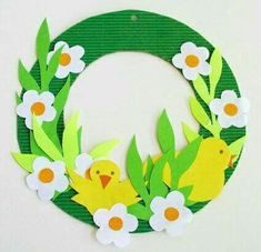 Easter window decoration: decoration wreath for Easter art wreath Easter Art, Easter Crafts For Kids, Diy And Crafts, Arts And Crafts, Paper Crafts, Decor Crafts, Geek Crafts, Decoration Creche, Christmas Garden Decorations