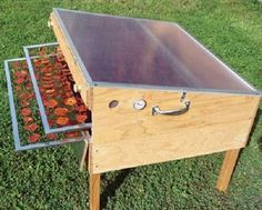 Discover thousands of images about Solar Food Dryer. Offers more than 10 square feet of drying area and a 6 pound capacity per load. Designed and manufactured here in Oregon by Eben Fodor, expert food dryer and author of The Solar Food Dryer. Diy Solar, Solaire Diy, Food Dryer, Solar Licht, Ideias Diy, Dehydrator Recipes, Homestead Survival, Off The Grid, Alternative Energy