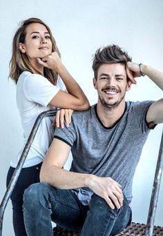 Grant Gustin and his wife they both look so good together love u guys Concessão Gustin, Andrea Thomas, Dc Comics, Flash Barry Allen, Stephen Amell Arrow, The Flash Grant Gustin, Cw Dc, Cw Series, Supergirl And Flash