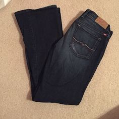 Lucky Brand bootleg jeans In great condition! Lucky Brand Jeans