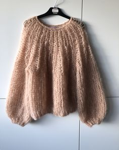 Mohair Sweater, Beige Sweater, Sweater Cardigan, Jumper, Knitwear Fashion, Sweater Fashion, T Shirt Diy, Baby Alpaca, To My Daughter