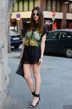 Shirt/Camisa: Blanco (new collection), Shoes/Zapatos: Mango (new collection), Shorts: H (new collection), Clutch: Friis & Company, Sunglasses/Gafas: Emporio Armani