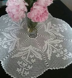 Crochet Doily,Crochet Doily with Flowers,Crochet Tablecloth,Crochet Centerpiece,Crochet Table Decoration,Crochet Home Decor,Handmade Gift by Umaliny on Etsy