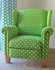 Seriously Daisies: Green Polka Dot Chair Makeover
