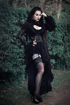 Singer/model: Eleine Photo: GRANN Photography Lacejacket: Burleska Corsets/ The Gothic Shop Earings: Wonderlandmc Welcome to Gothic and Amazing |www.gothicandamazing.com
