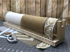 Triple Stationary Mesh Roller, Triple Mesh Roller, Susie's Wreaths and Things Mesh Roller, Ribbon Holder, Mesh Holder Wrapping Paper Holder, Gift Wrapping, Bird Netting, Ribbon Holders, Color Secundario, Paper Stand, Vinyl Cutter, Unfinished Wood, Mesh Wreaths