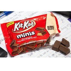 Free Kit Kat Minis at Kum & Go Stores - http://getfreesampleswithoutsurveys.com/free-kit-kat-minis-at-kum-go-stores