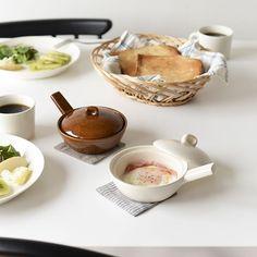 \new arrival!/ 朝ごはんの定番メニューを手軽においしくつくれる秘密道具、エッグベーカーが仲間入りしました! レンジでチンするだけで目玉焼きが。 ブロッコリーも芯まで柔らかく出来上がり♪ あったかいものが恋しい今の季節は、アツアツのオーブン焼きやグラタンなんかもいいですね〜。美味しい想像を膨らませてくれます。 ▶︎商品はプロフィールリンクからご覧いただけます。 ・ #北欧暮らしの道具店 #エッグベーカー #朝食 #目玉焼き #朝ごはん #お家ごはん