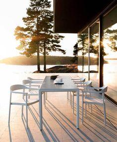 Tribù | Armchair | Scandinavian | White | Table | Garden | Design | Outdoor