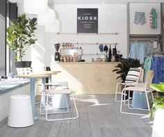 Country Road have created a pop-up coffee cart in their South Yarra Store. The kiosk has been designed as the ultimate hang out for Melbournians.
