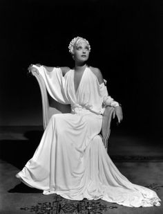 Kay Francis, I Found Stella Parish, 1935 (costume by Orry-Kelly) Hollywood Costume, Hollywood Fashion, Old Hollywood Glamour, Golden Age Of Hollywood, Vintage Glamour, Vintage Hollywood, Hollywood Stars, Vintage Beauty, Classic Hollywood