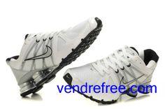 size 40 c6a12 69305 Vendre pas cher Homme Nike Shox R4 Chaussures (couleur  vamp,interieur,logo sole-gris,blanc) en ligne en France.