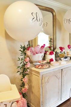 Balloon Birthday Party, Pink Ballon, birthday Party Theme, Balloon Garland, Pink and White Balloons, First Birthday Party Ideas, First Birthday, birthday Party, Girl Birthday Girl Party, Calligraphy Balloons, Dessert Table Ideas, Balloon Ideas, Floral Balloon