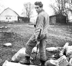 James Dean photographed by Dennis Stock on his uncle Marcus's farm in Fairmount Indiana. Old Hollywood Actors, Vintage Hollywood, Hollywood Stars, Fairmount Indiana, Dennis Stock, James Dean Photos, Pier Paolo Pasolini, Jimmy Dean, Jimmy Jimmy