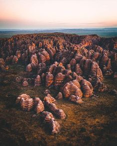Purnululu National Park is out of this world. This 'small' cluster of bee hive domes represents only a tiny fraction of the park. There is so much tropical orange goodness to explore 🌴🧡⁣ ⁣ 📷 Western Australia, Australia Travel, Australian Road Trip, Australia Holidays, Road Trip Destinations, Out Of This World, Travel Couple, Adventure Travel, Places To Travel