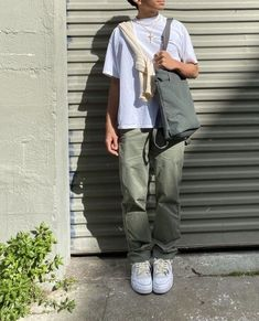 Summer Outfits Men, Stylish Mens Outfits, Boy Outfits, Casual Outfits, Fashion Outfits, Mens Fashion, Baggy Clothes, Mode Inspiration, Swagg