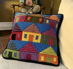 Knitted Cushion Covers, Knitted Cushions, Knitted Afghans, Knitted Blankets, Plaid Crochet, Knit Crochet, Woolen Craft, Knitting Patterns, Scrappy Quilts