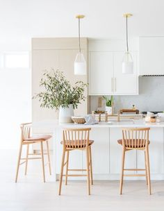 The Vancouver homeowners love entertaining, so to make the open-concept kitchen even more hardworking, designer Tanya Krpan added a second prep area. Home Decor Kitchen, Home Kitchens, Kitchen Dining, Natural Kitchen Interior, Open Kitchen Interior, Dining Room, Küchen Design, Home Design, Chair Design