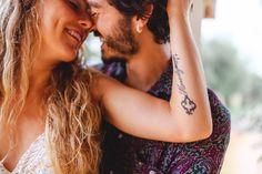 Wir haben die beiden auf Mallorca fotografiert und genau an dem Nachmittag des Shootings hat es geschüttet wie aus Kübeln.... ;-) Macht nichts, haben wir uns gedacht und ein Plätzchen zum Unterstellen gesucht.⠀⠀⠀⠀⠀⠀⠀⠀⠀ @canbaranayguler @j_pow_l⠀⠀⠀⠀⠀⠀⠀⠀⠀ .⠀⠀⠀⠀⠀⠀⠀⠀⠀ .⠀⠀⠀⠀⠀⠀⠀⠀⠀ . ⠀⠀⠀⠀⠀⠀⠀⠀⠀ #hochzeitsfotografmallorca #heiratenaufmallorca #heiratenaufmallorca2021 #braut2021 #bride2021 #weddinginmallorca #mallorcawedding #mallorcaweddingsphotographer #bridetobe #novias2021 #bodas… Wedding, Inspiration, Majorca, Valentines Day Weddings, Biblical Inspiration, Weddings, Marriage, Inspirational, Inhalation