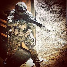 SPARTAN READY OUT If you want more pics like this follow: @airsoft_foam #airsoft #airsoftspain #airsoftespaña #airsoftworld #airsoftglobus #airsoftobsessed  #foamairsoft #spartanairsoftespaña #sergiospartan2k #tactical #tacticalgear #milsim #multicam #woodland #digital #kik #cool #tokiomarui #gyg #magpul by spartan_airsoft_esp