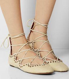 852e401f94a2 Die 122 besten Bilder von Sandals (flats)   Flat sandals, Shoe und ...