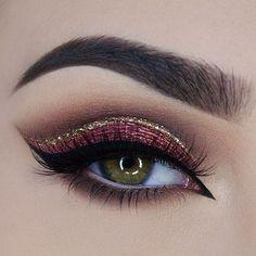 How beautiful is this eye look @miaumauve created using our tarteist clay paint liner! #tarteist #tarteistry #beauty #makeup #eyelovetarte